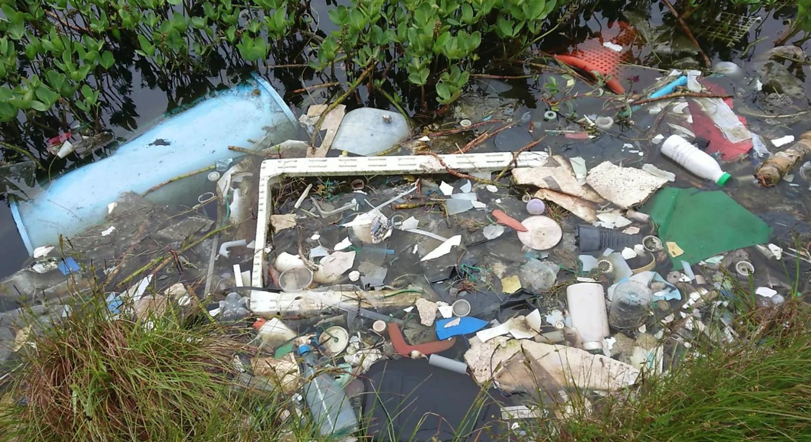 Plast jord vann avfall LL